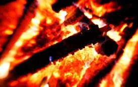טקסטורות של אש וגחלים ברזולוציה גבוהה