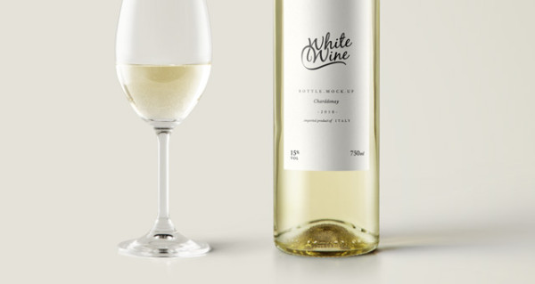 002-wine-white-bottle-drink-cup-glass-presentation-mockup-psd