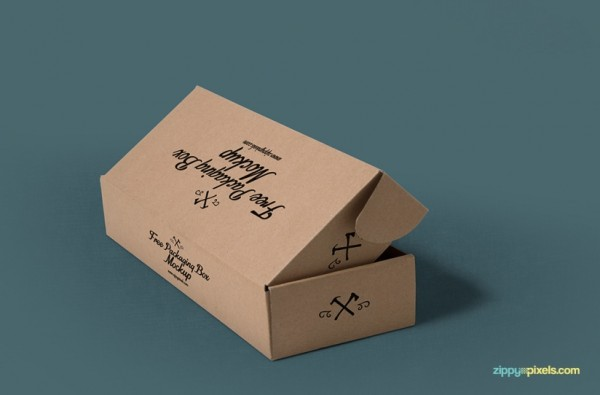 03-Realistic-box-packaging-psd-mockups-824x542